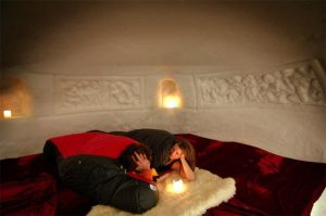 Dormire in un igloo in Svizzera