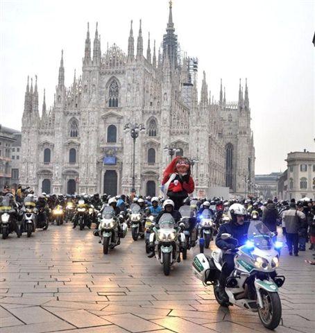 befana motociclistica milano 2013