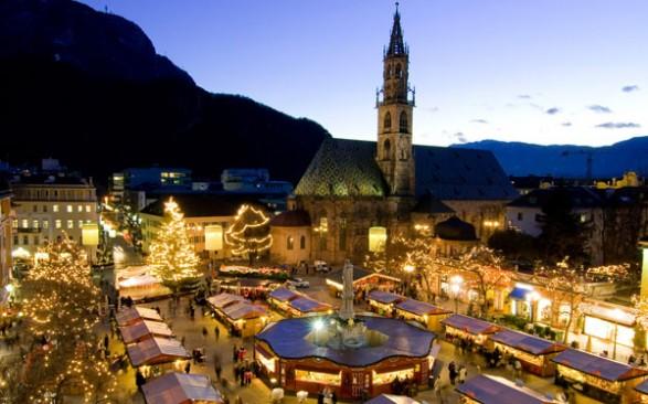 Foto Mercatini Di Natale Bolzano.Mercatini Di Natale 2013 A Bolzano In Piazza Walther Date E