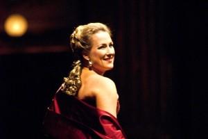 Diana Damrau-Violetta-Prima-della-Scala-2013