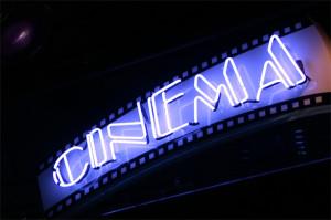 Cinema_gratis_Milano_neon