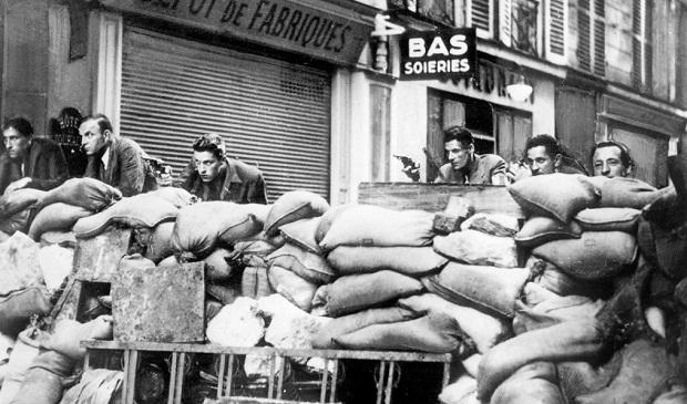a Parigi organizzata dalla Resistenza francese, Francia, 23 agosto 1944
