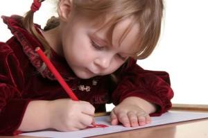 bambina-disegna-animalarium
