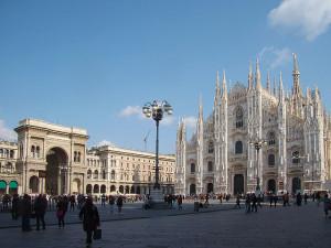 640px-Milano_piazza_Duomo