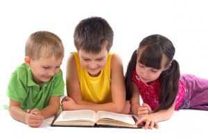 three-children-reading
