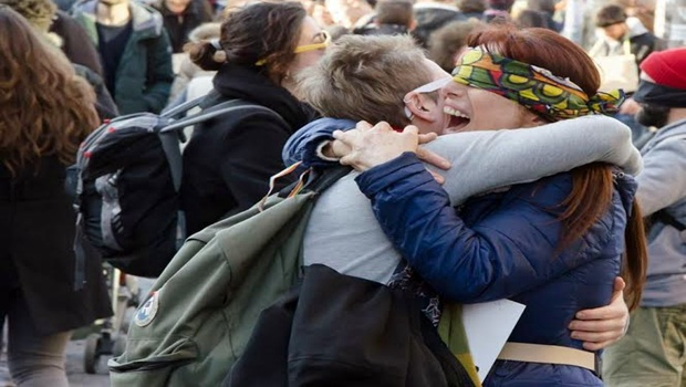abbracci gratis Milano