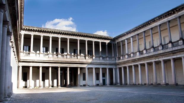 Palazzo_Senato_primo_cortile ok