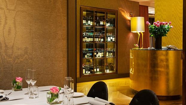 aperitivi-in-duomo-starhotels-rosa-ristorante