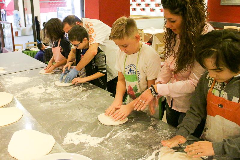 laboratori-di-cucina-per-bambini-EDU-pizza (1)