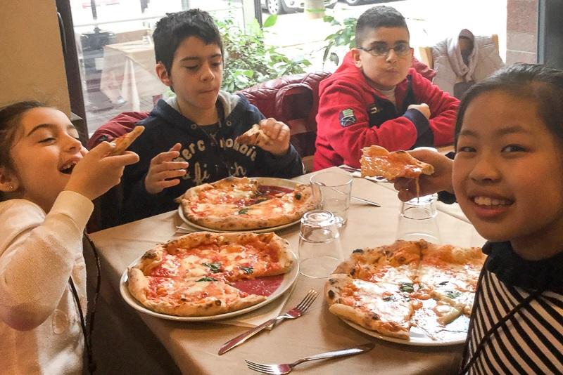 laboratori-di-cucina-per-bambini-EDU-pizza (2)